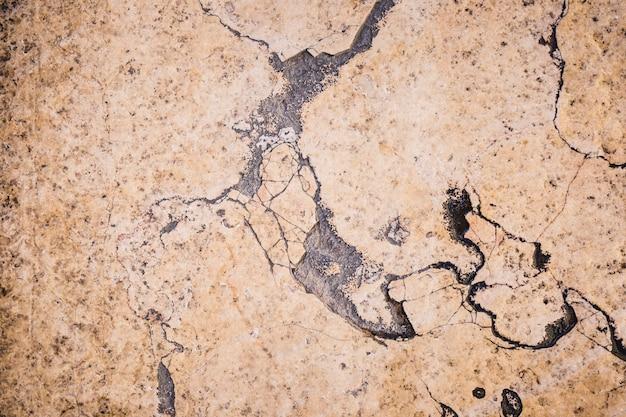 Détail du mur de marbre marron