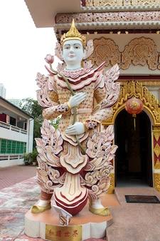Détail du temple birman de dhamikarama à penang, malaisie