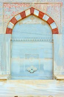 Détail de la fontaine d'ahmed iii à istanbul, turquie