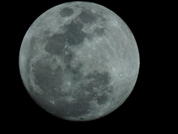 Détail spectaculaire de la superbe lune bleue