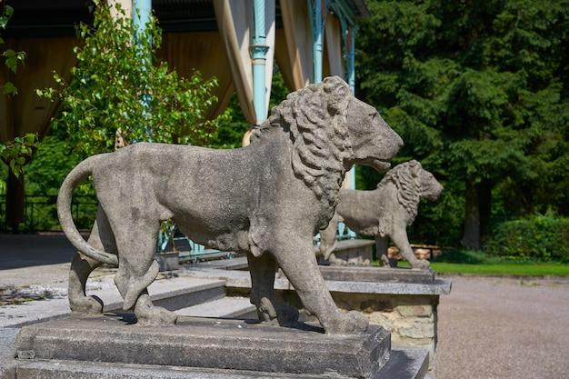 Détail de statues de lion en croix josheps à stolberg harz