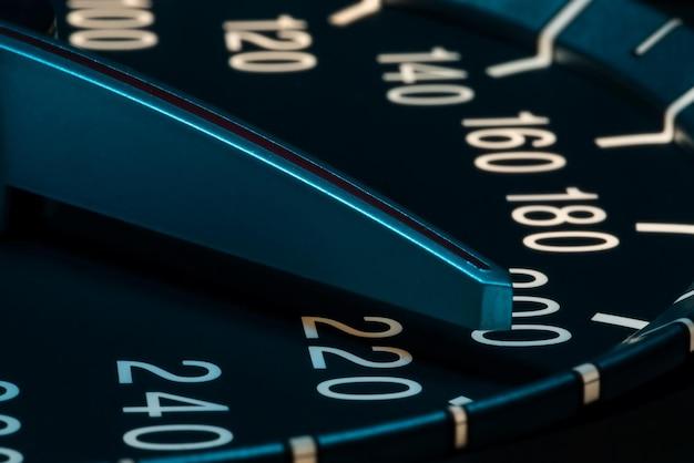 Détail de la vitesse avec prise de vue macro du compteur kilométrique de voiture