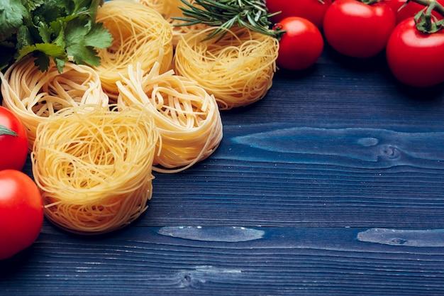 Détail vue de dessus des pâtes italiennes tagliatelles