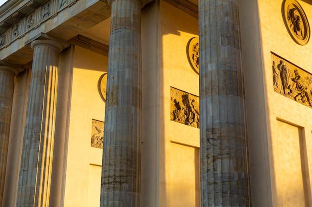 Détails de l'architecture de la porte de brandebourg.