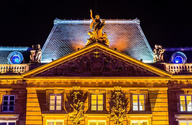 Détails d'aubette, un bâtiment historique sur la place kléber à strasbourg