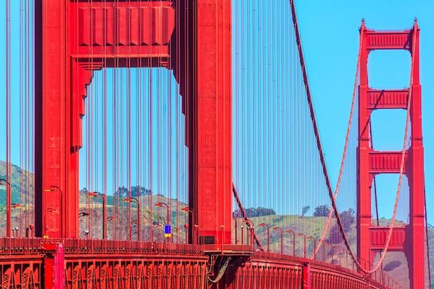 Détails du golden gate bridge à san francisco en californie