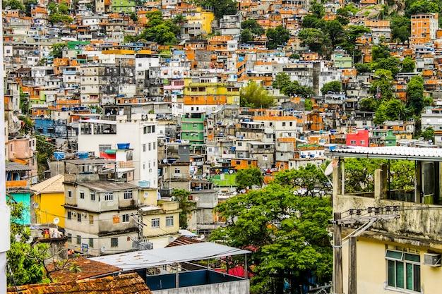 Détails de la favela rocinha à rio de janeiro - brésil