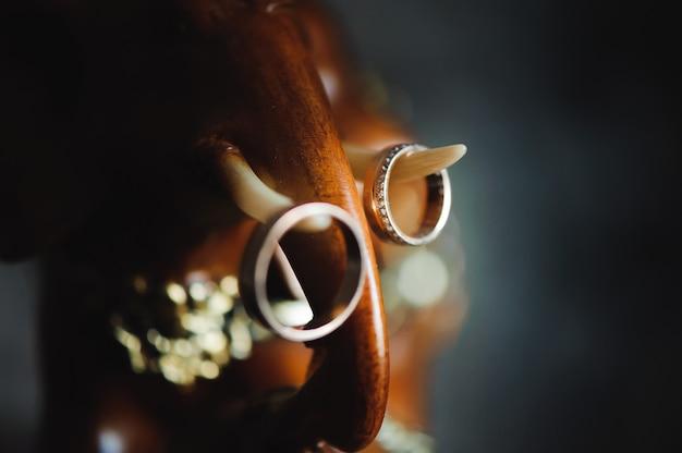 Détails de mariage - alliances comme symbole