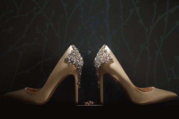 Détails de mariage de mariée - chaussures de mariage