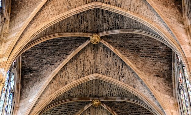 Détails de plafond dans une cathédrale