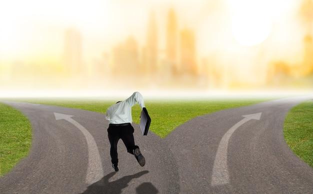 Deux affaires de route pour le succès ou l'échec de votre choix avec votre carrière et votre cible.