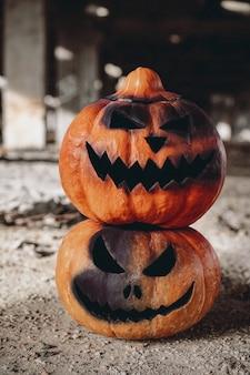 Deux citrouilles effrayantes pour halloween