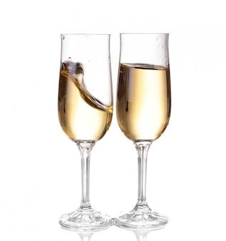 Deux coupes de champagne. isolé sur blanc backgroun