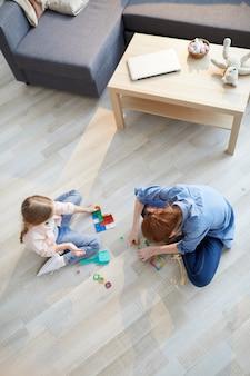 Deux filles, jouer, au-dessus, vue