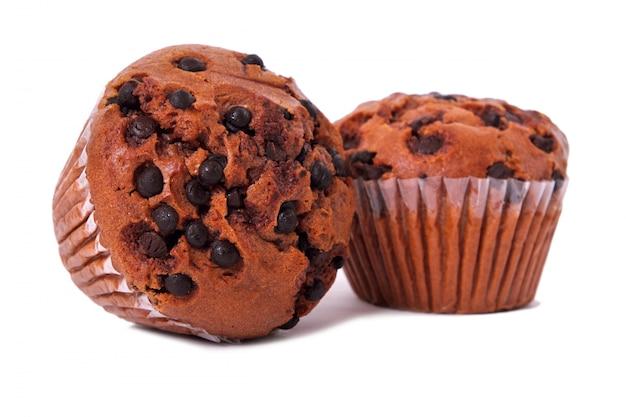 Deux gâteaux muffin aux pépites de chocolat