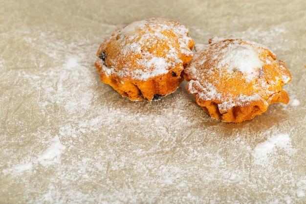 Deux gâteaux ronds appétissants