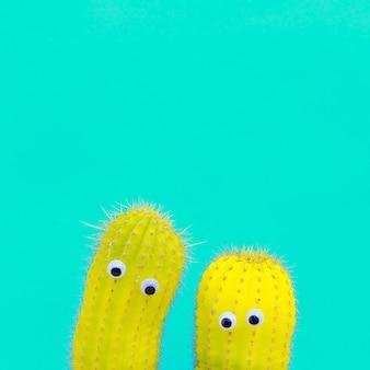 Deux hipsters cactus avec des yeux. art conceptuel minimal de bonbons drôles