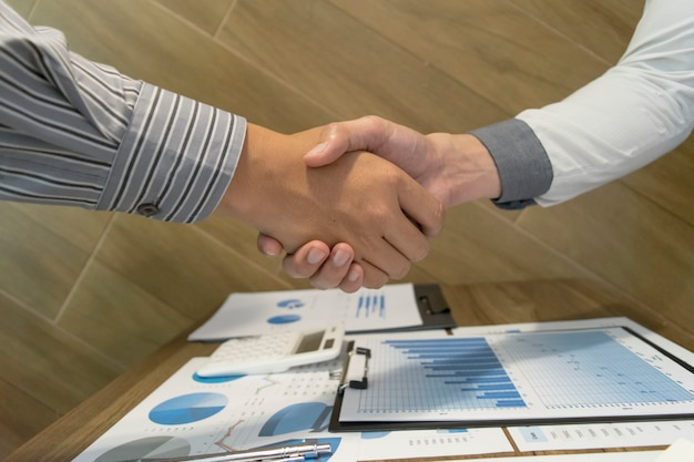 Les deux hommes d'affaires ont connu un succès commercial deux fois plus rentable.
