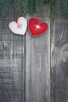 Deux petits cœurs se liant l'un à l'autre