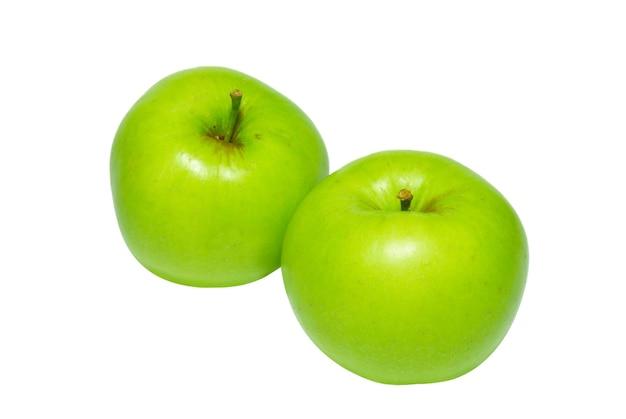 Deux pommes vertes isolées sur fond blanc