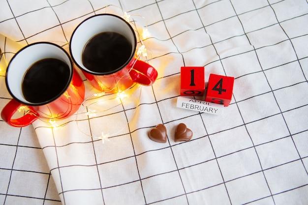 Deux tasses de café pour la saint-valentin