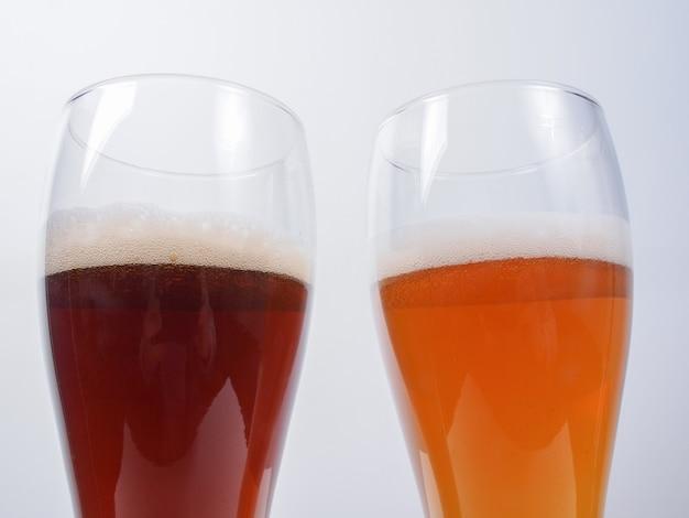 Deux verres de bière allemande