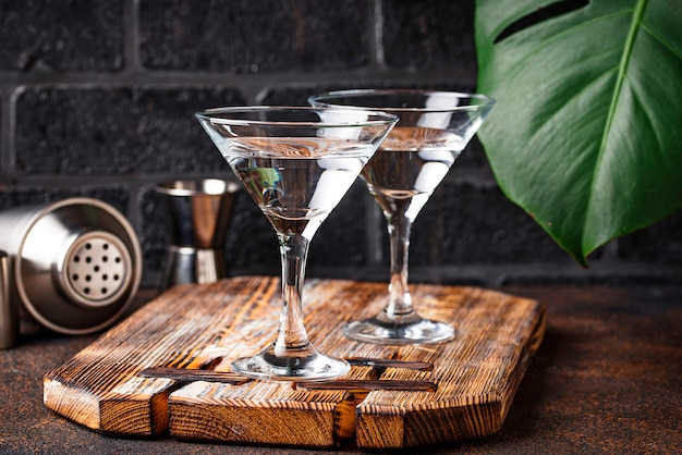 Deux verres de cocktail martini
