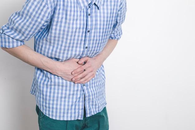 La diarrhée. douleur abdominale chez les hommes. constipation. signes de brûlures d'estomac.