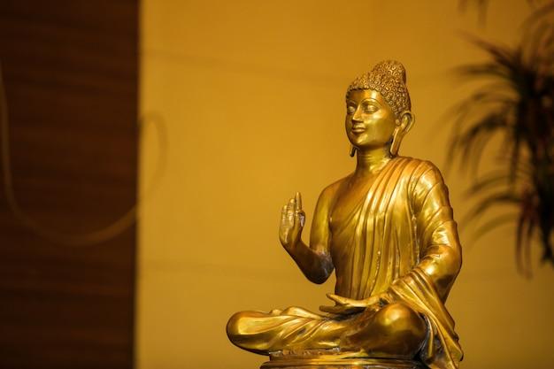 Dieu goutama bouddha