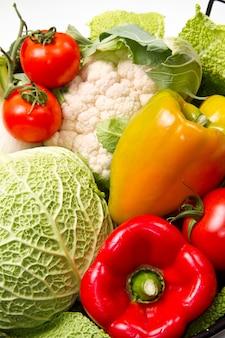 Différent groupe de légumes frais