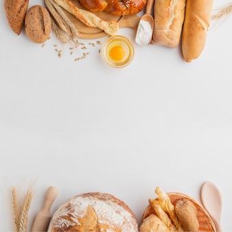 Différent pain et oeuf