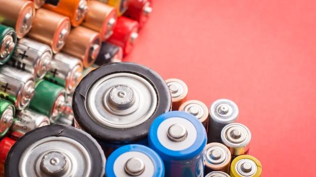 Différentes batteries usagées