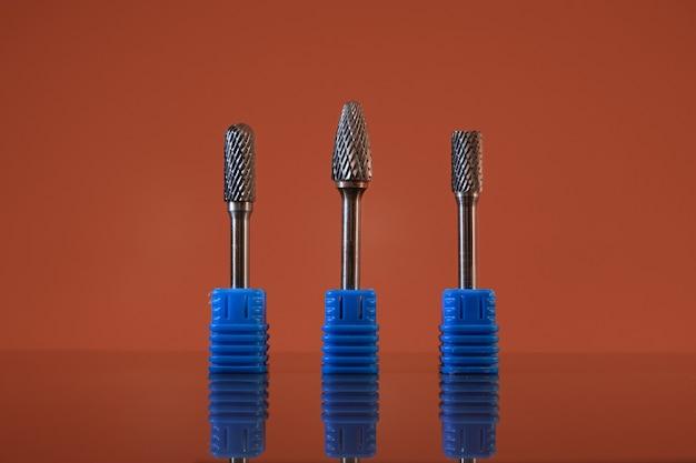 Différentes bavures de point rotatif en carbure de tungstène close-up