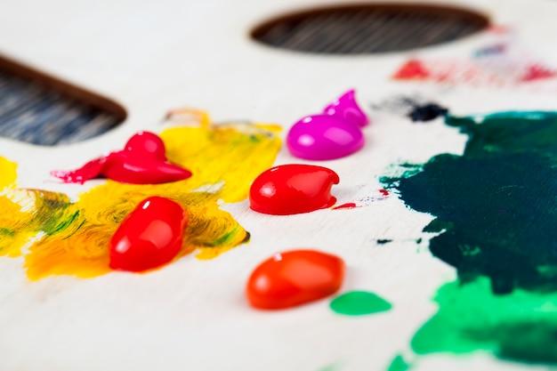 Différentes couleurs de peintures