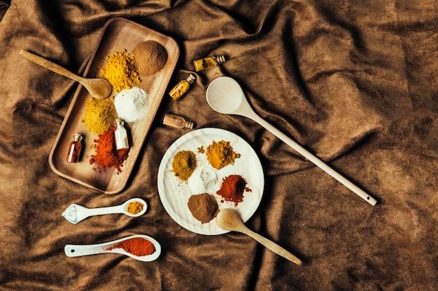 Différentes épices indiennes