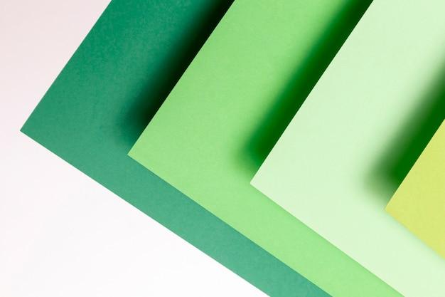 Différentes nuances de gros plan de motifs verts