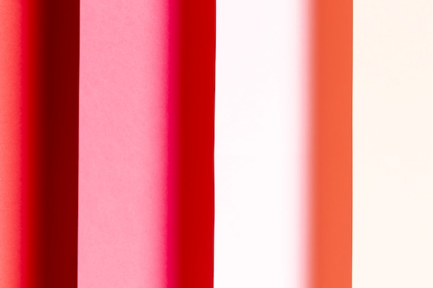 Différentes nuances de gros plan de papiers rouges