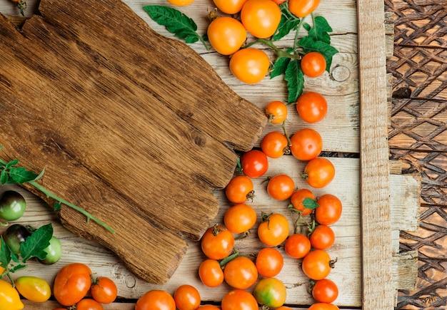 Différentes sortes de tomates au marché de producteurs