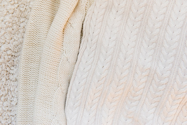 Différentes textures tricotées de couleur beige