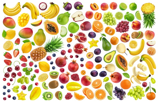 Différents fruits et baies isolés sur fond blanc