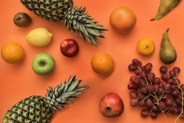 Différents fruits frais