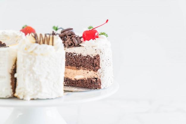 Différents morceaux de gâteau