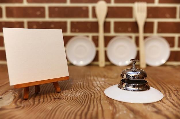 Différents objets sur une cuisine