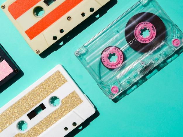 Différents types de cassettes audio à l'honneur