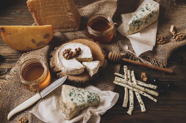 Différents types de fromages.