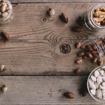 Différents types de noix et d'espace