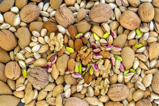 Différents types de noix - noix assorties