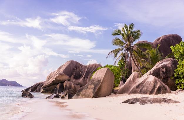 La digue, plage des seychelles