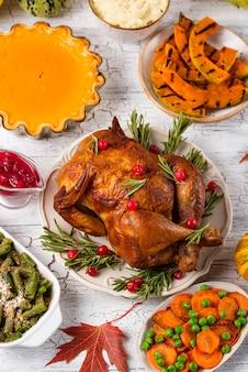 Dîner de fête traditionnel de thanksgiving