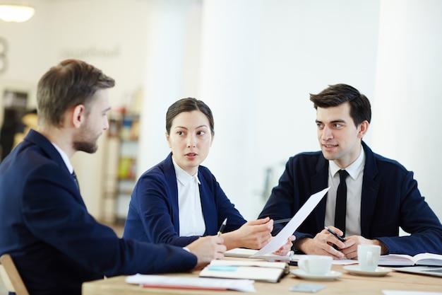 Discuter des documents